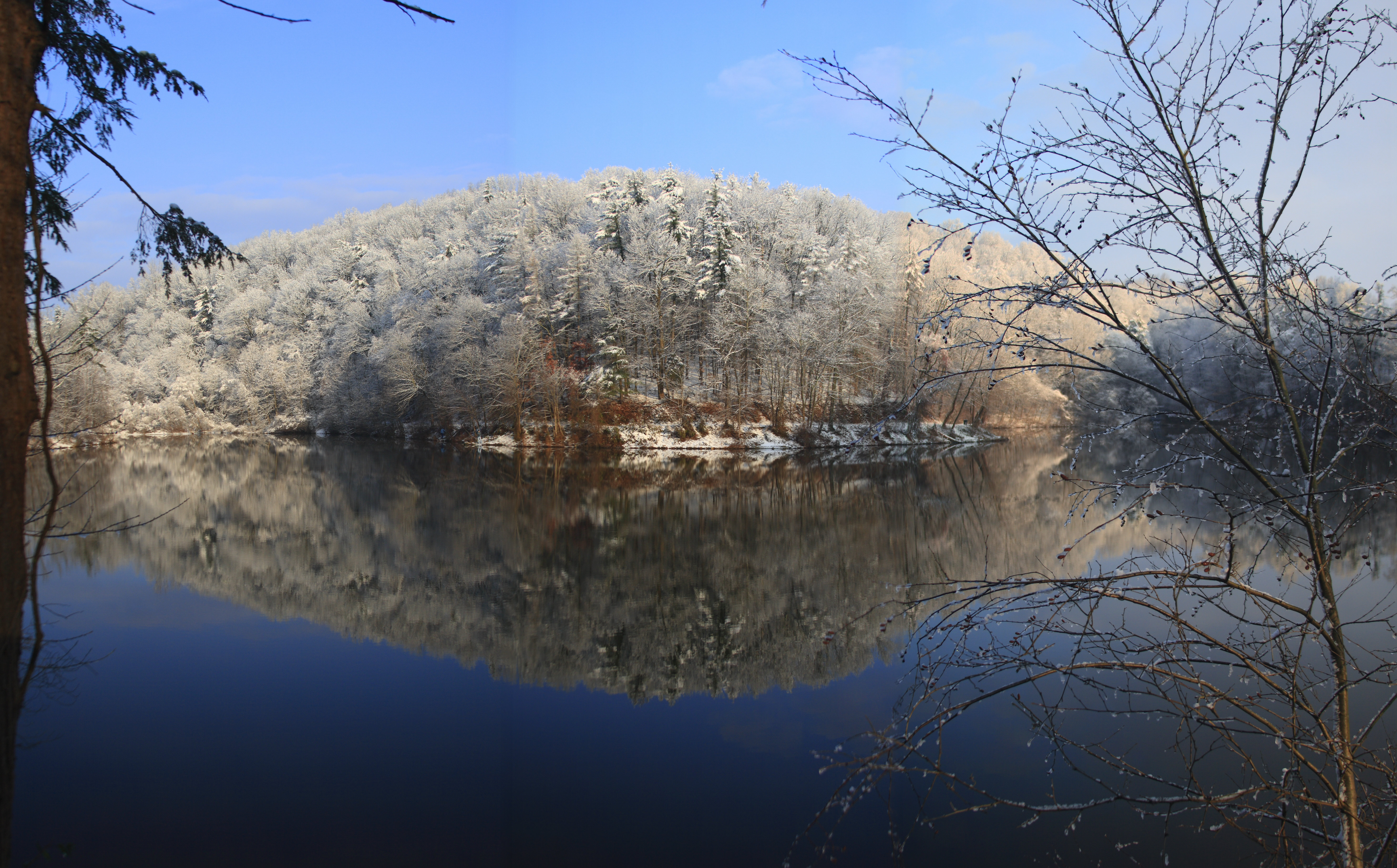1st Snow Antietam Lake by raistlin306