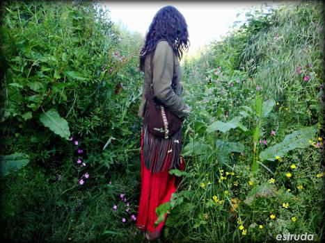Through the undergrowth by Estruda
