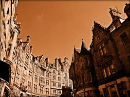 A Street In Edinburgh by Estruda