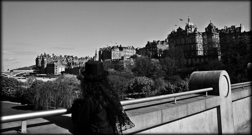 Edinburgh City by Estruda