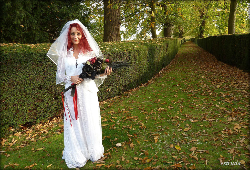 Autumns Bride by Estruda