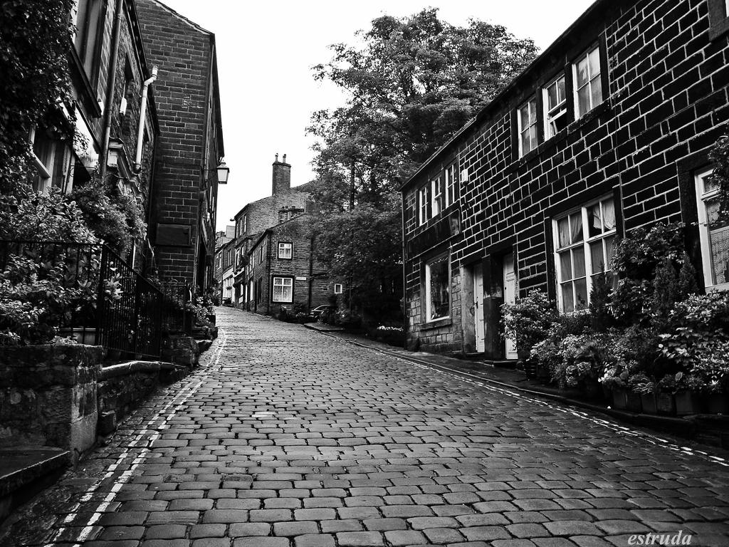 Howarth by Estruda