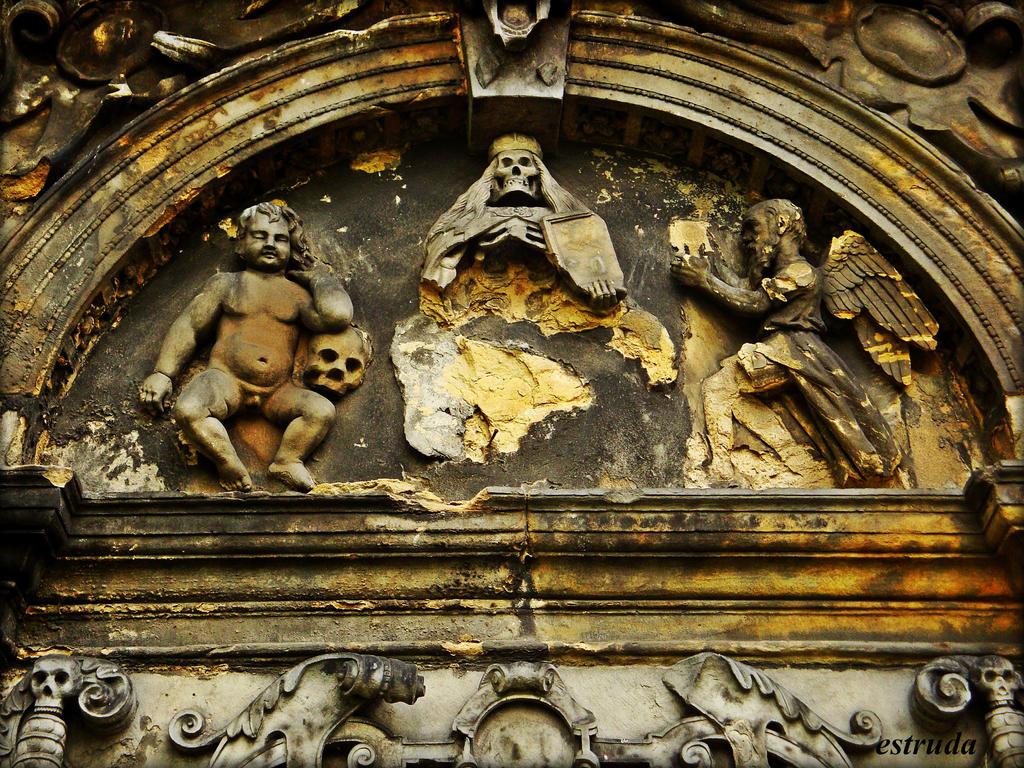 Victorian Tomb by Estruda