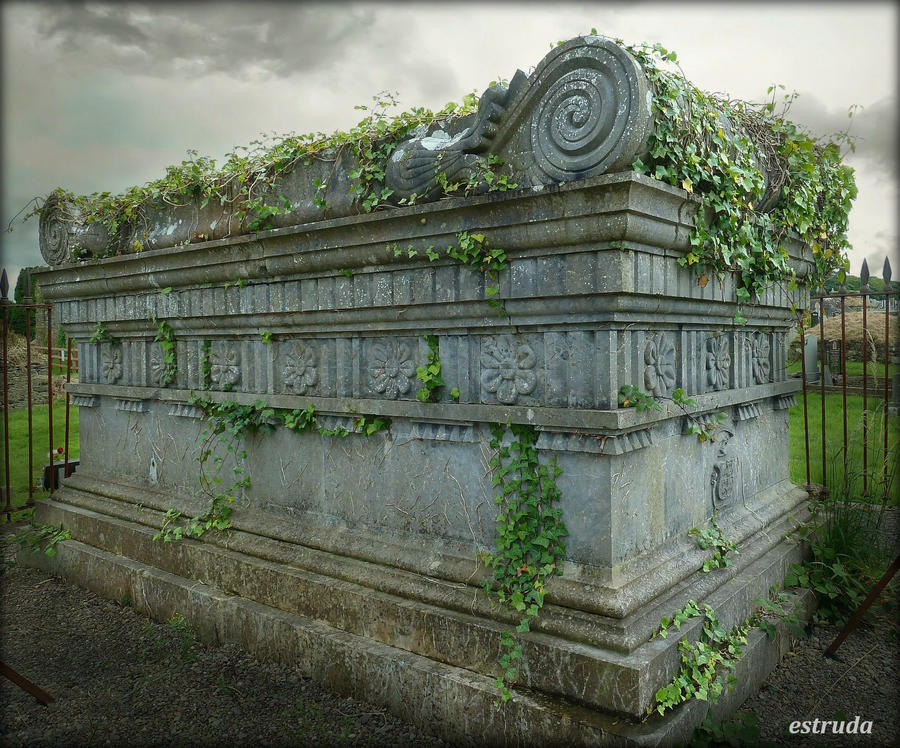 Deaths Eternal Tomb by Estruda