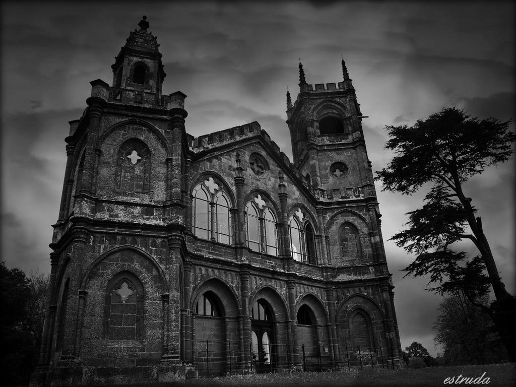 Gothic Vision by Estruda