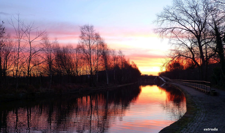 Reflective Sunrise by Estruda