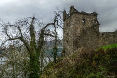 Urquhart castle by Estruda