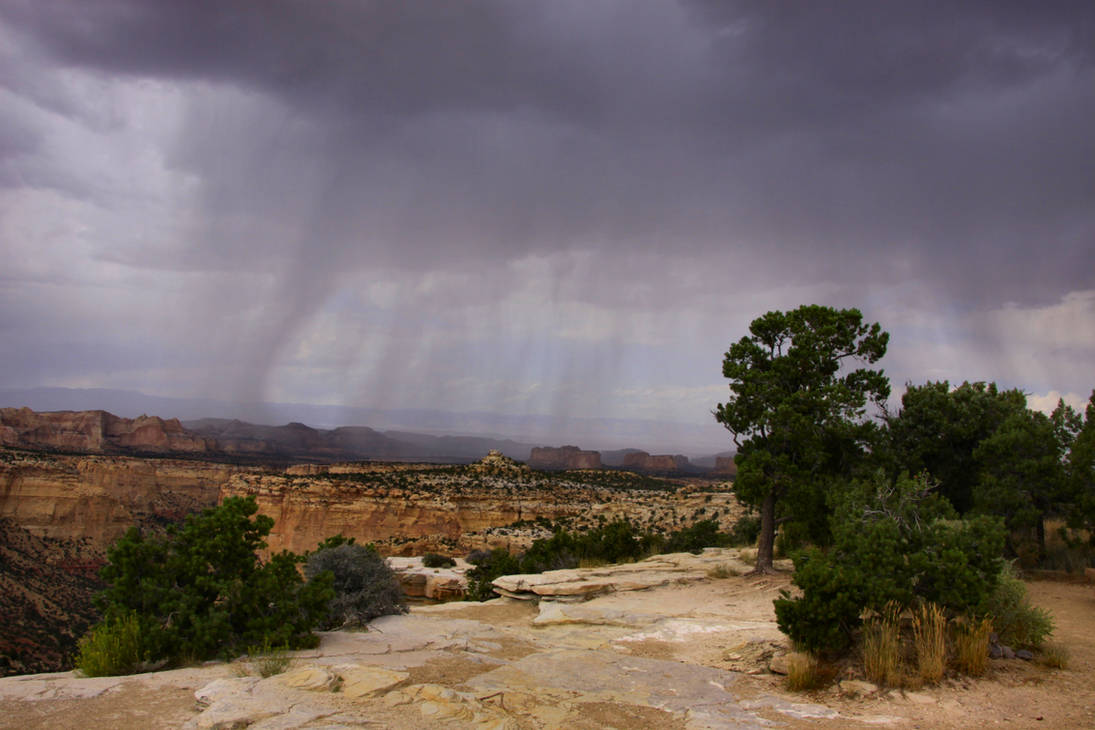 Thunderstorm near Ghost Rock by Caloxort