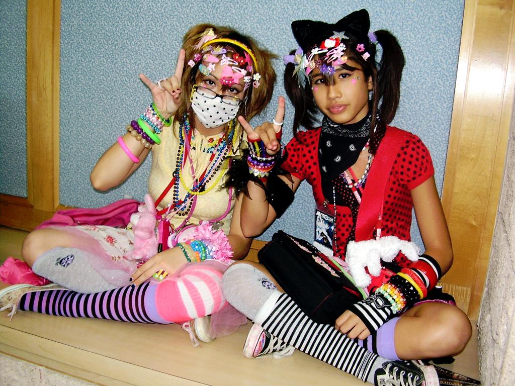 Decora girls Decora_girls_by_phoenien