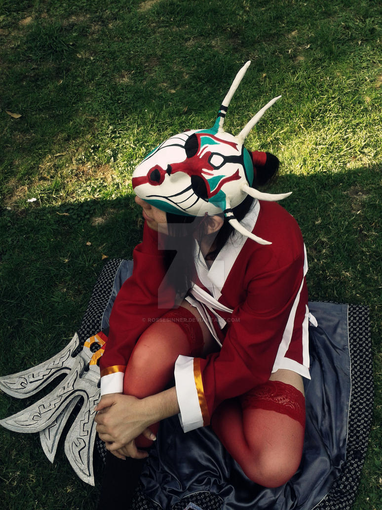 Blood Moon Akali Cosplay Mask Chile by RosseSinner