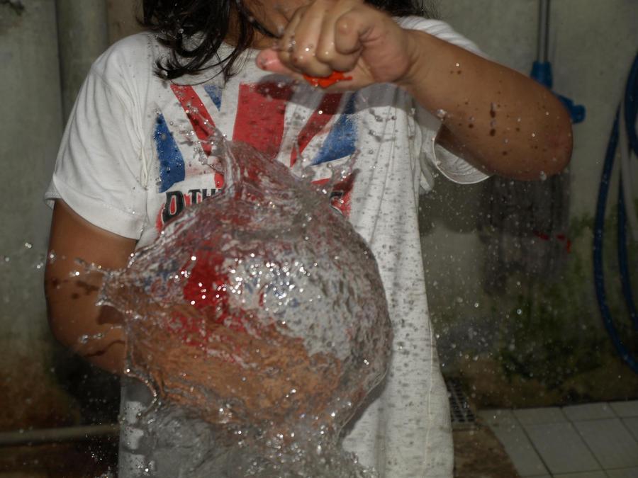 water ballon by mirartos