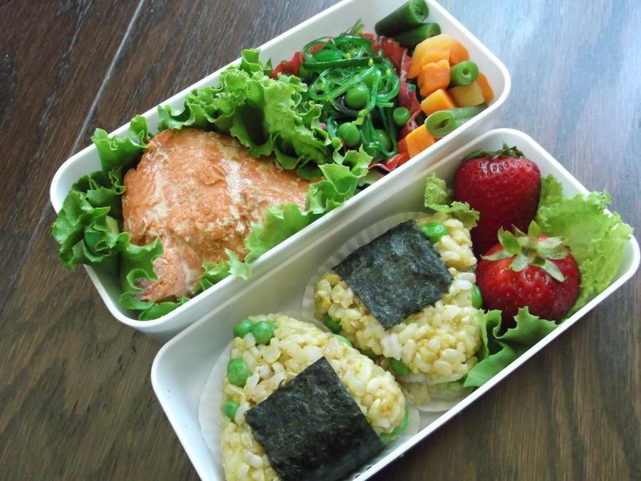 salmon and onigiri bento by blackfacet