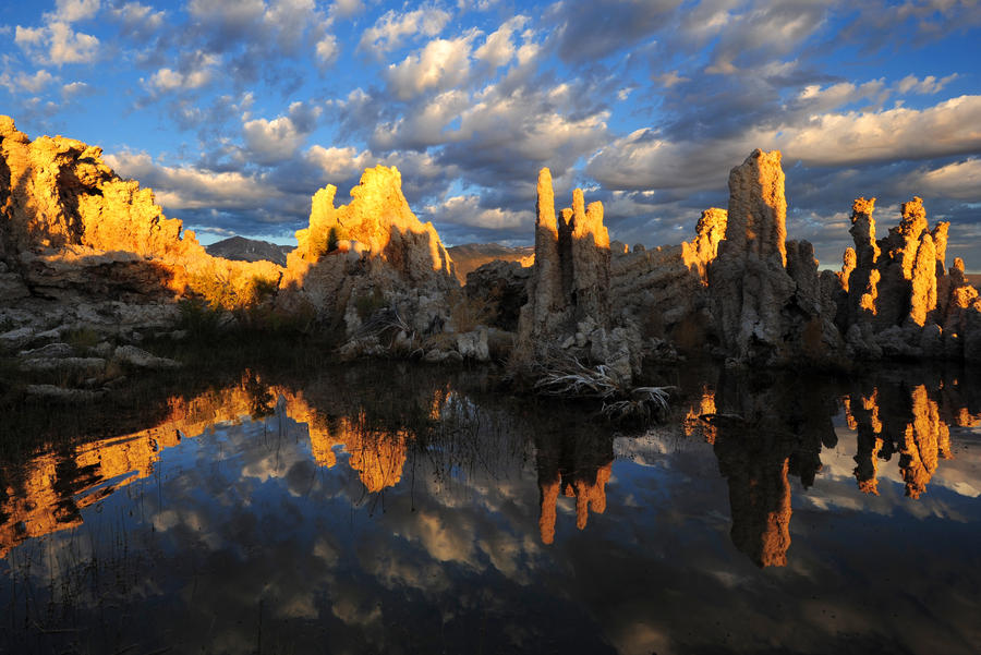 tufa reflection by porbital