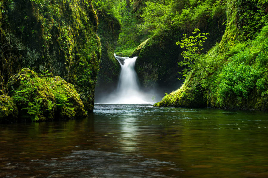 Punchbowl Falls by porbital
