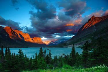 Glacier NP Sunrise by porbital