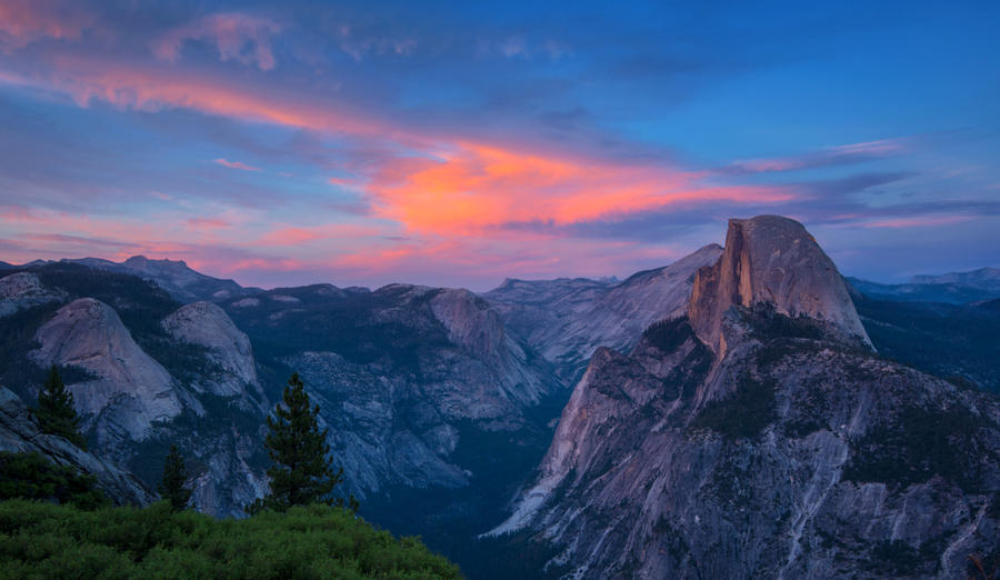 Yosemite Scenery by porbital