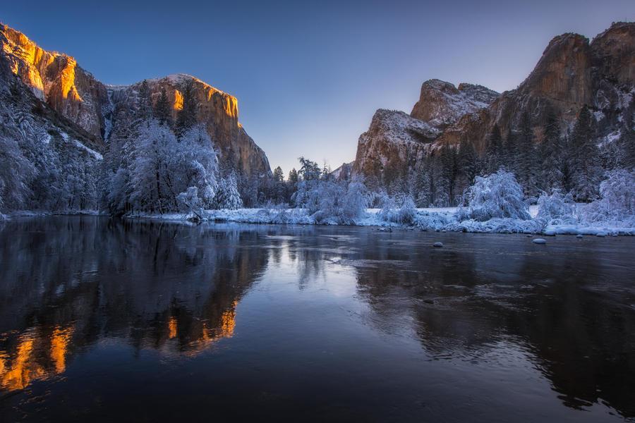 Valley View Winter by porbital