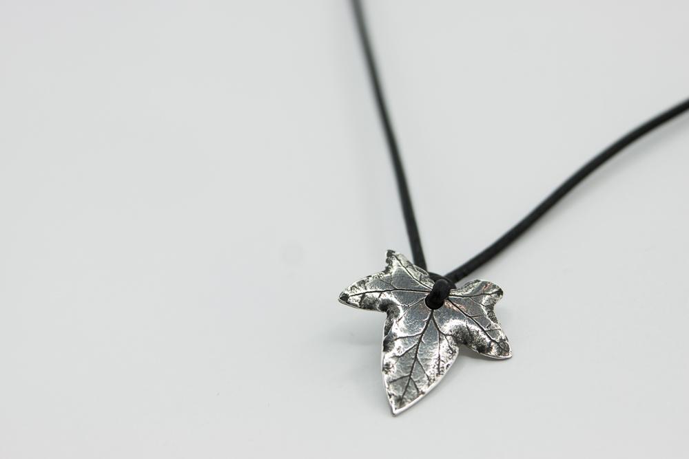 Silver Ivy Leaf by Alandil-Lenard