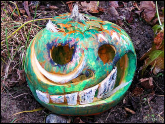 Halloween : Crazy painted pumpkin by DecoyRobot