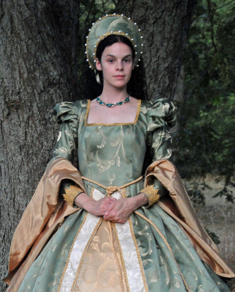 renaissance women Womens costumes if you are looking for the perfect womens costume, then here is where your search begins, at the medieval collectibles womens costume section.