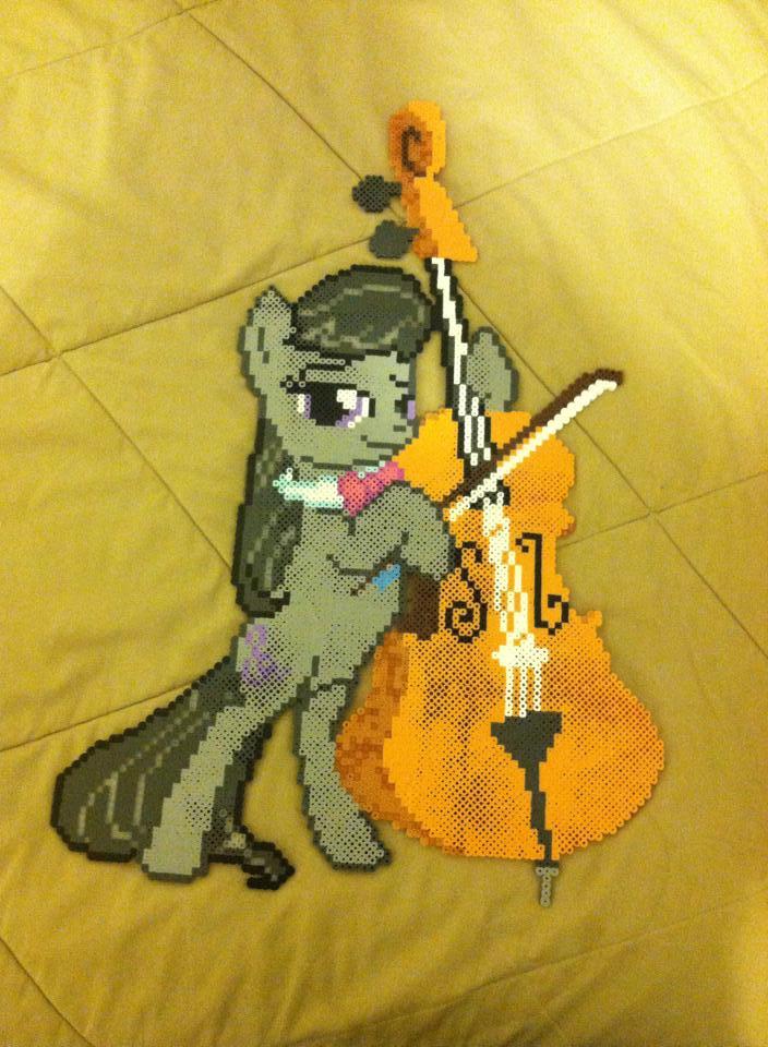 Big Octavia Cello perler by dorkking12