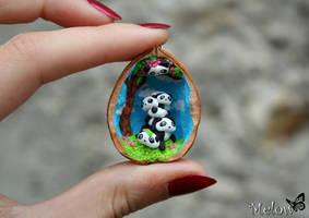 Nutshell Panda by Melow-Fimo