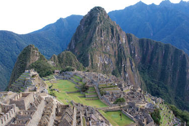 Machu Picchu by Aloba