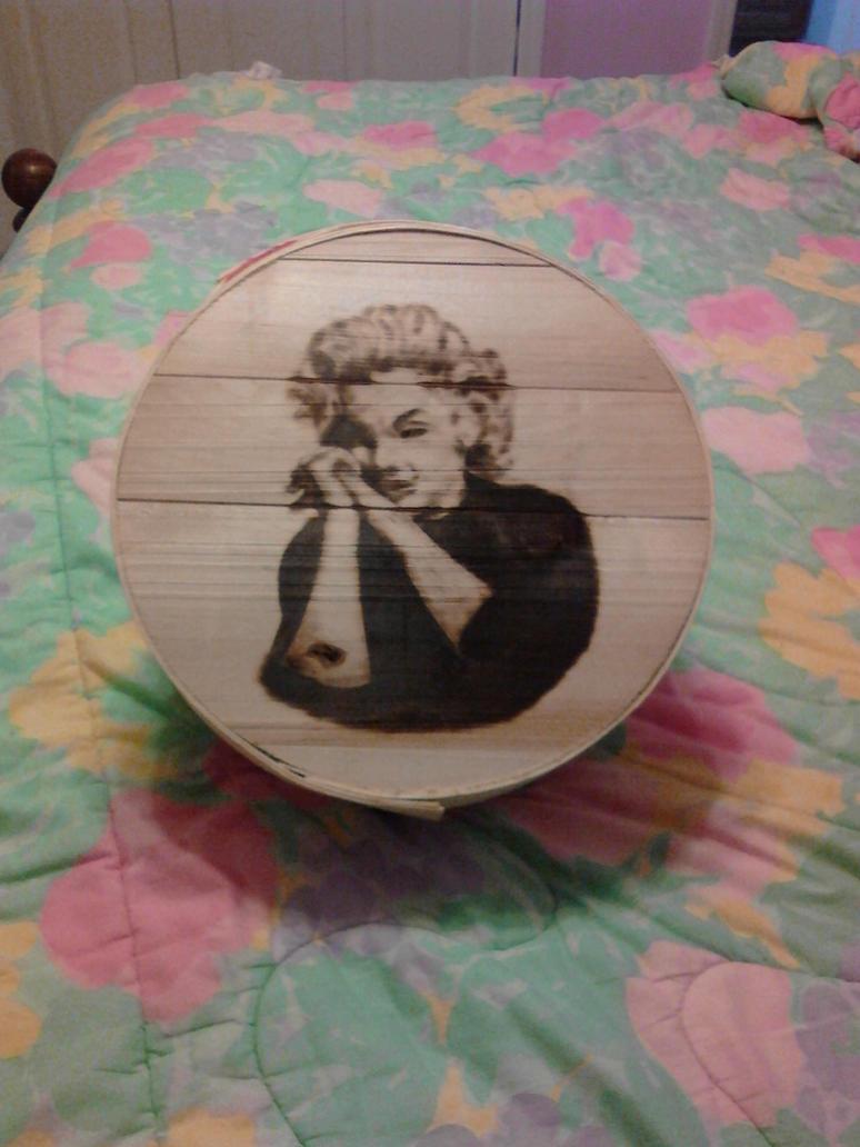 Marilyn by doggie-dew