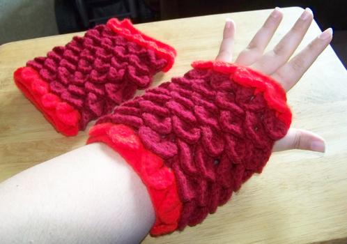 Crochet Crocodile Stitch Gloves