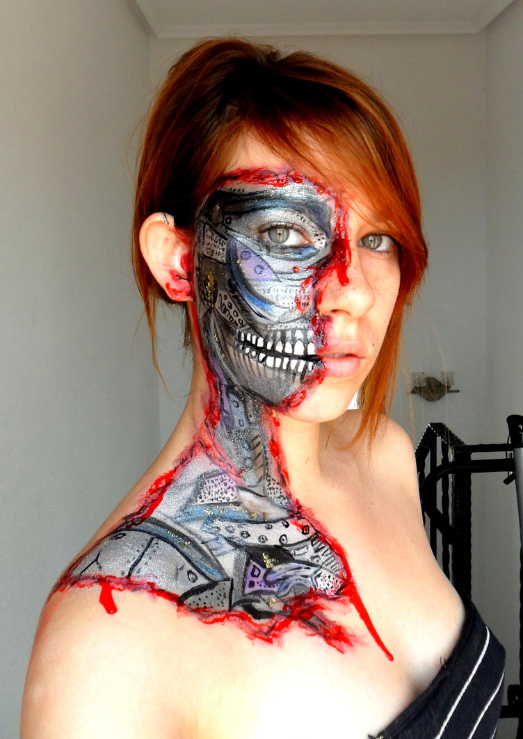 Robot inside me Make up by Arisusandasu