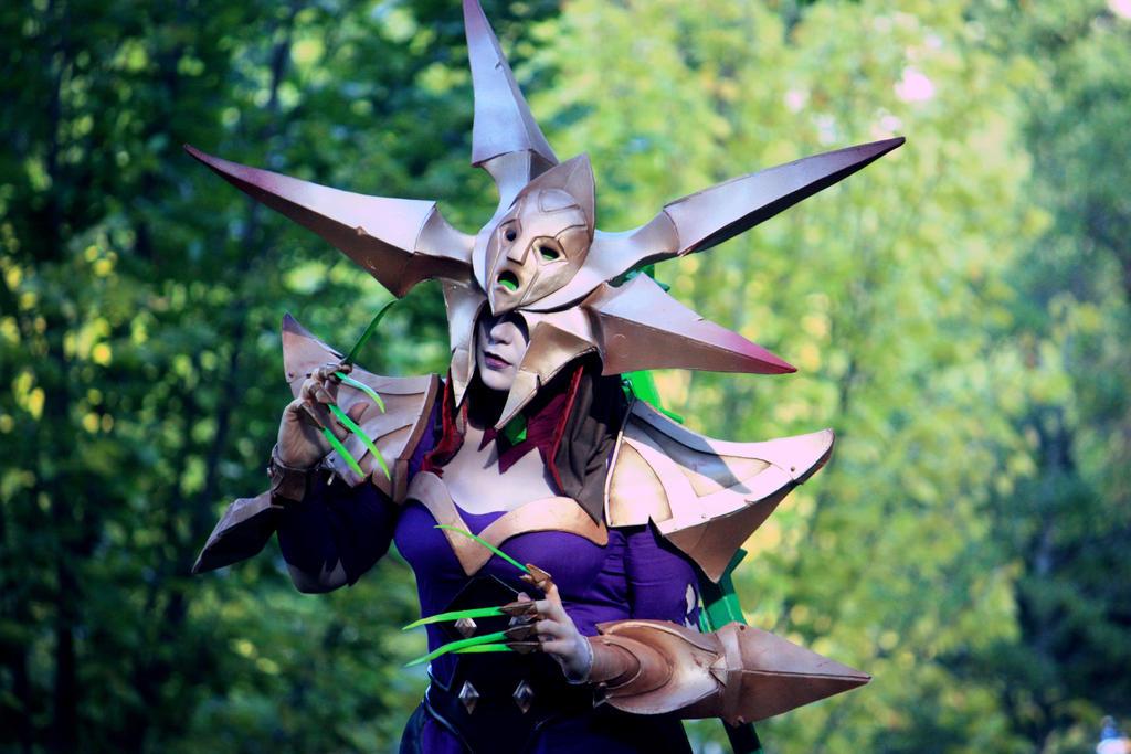 Blade Queen Lissandra by SarahSpaghetti on DeviantArt