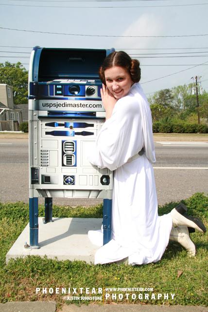 Leia + R2 by Phoenixtear