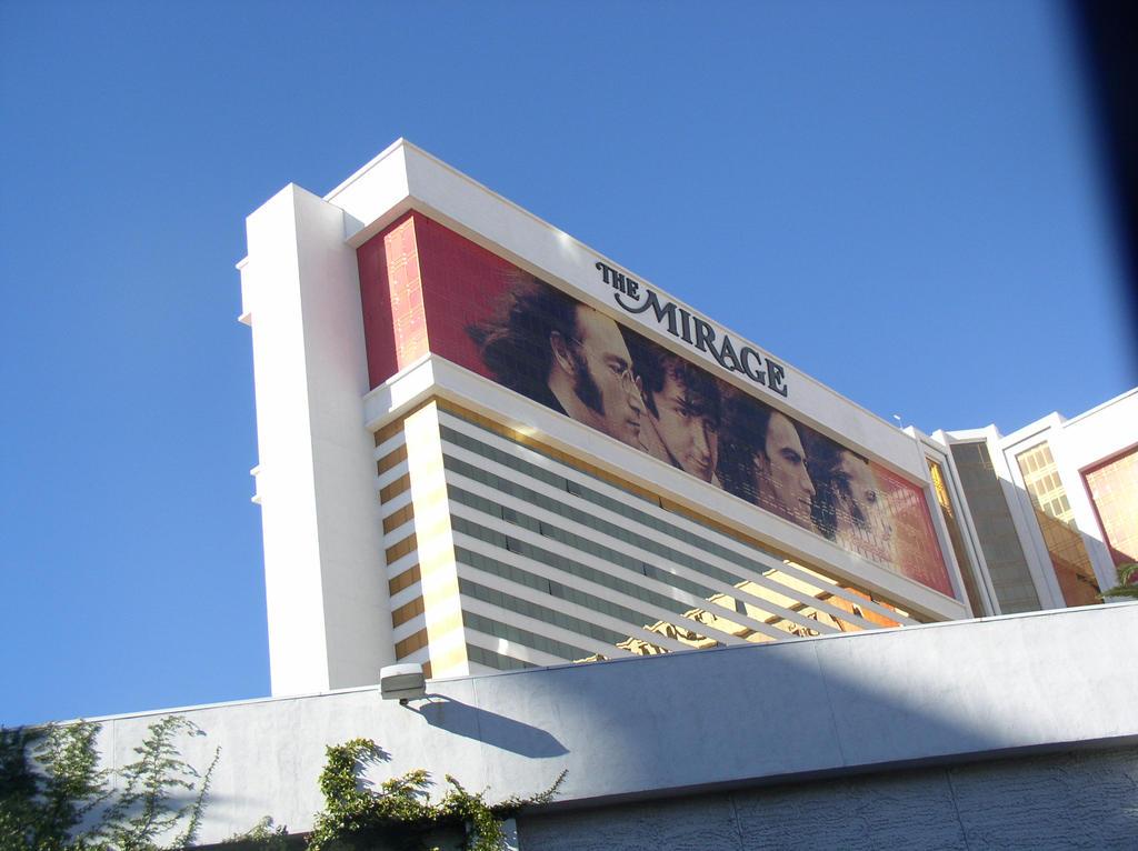 Vegas 2015 (06) by ChrisCmoney