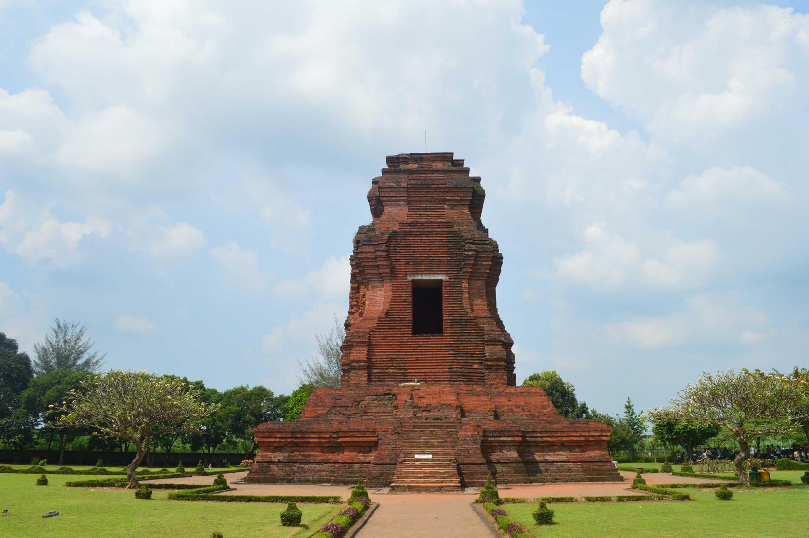 Brahu Temples By Adipancawh