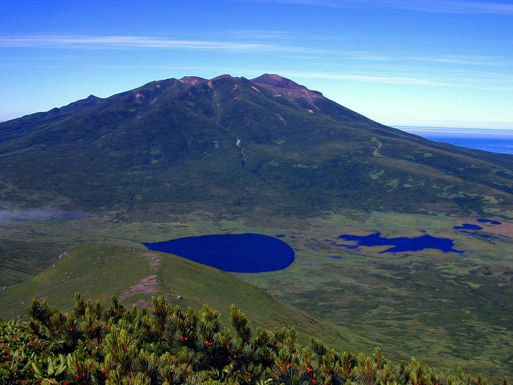 RA472: Rasyova Volcano by Eliasome