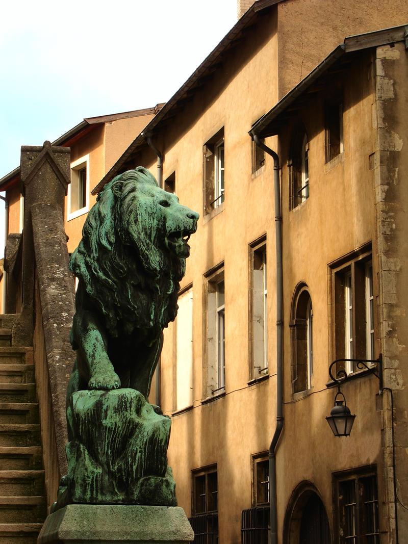 Green Lion by Pierre-Lagarde