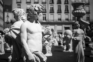 Statues Crowd 15
