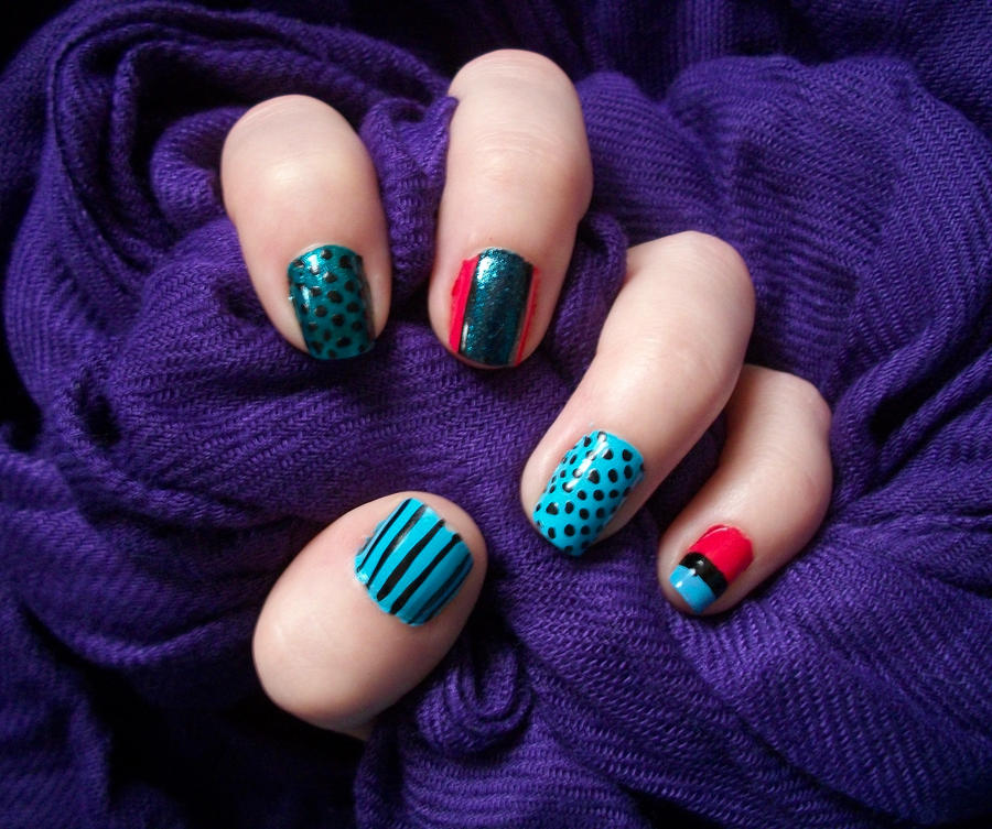 Nail design blue and pink : Blue and pink nails by jennybicky on deviantart