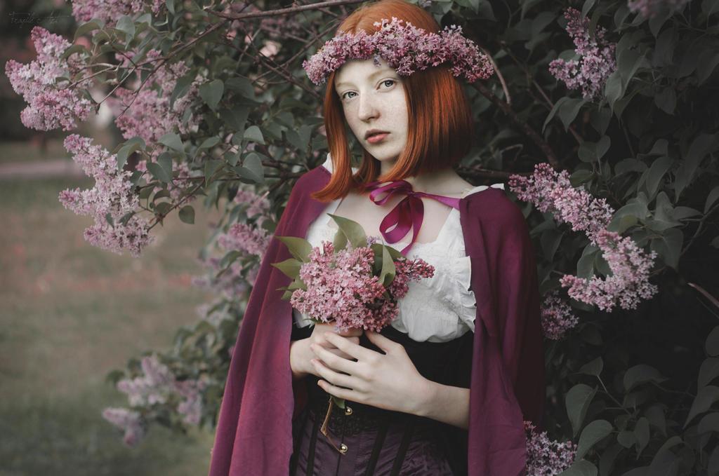 Lilacs II by Girlwithinsomnia