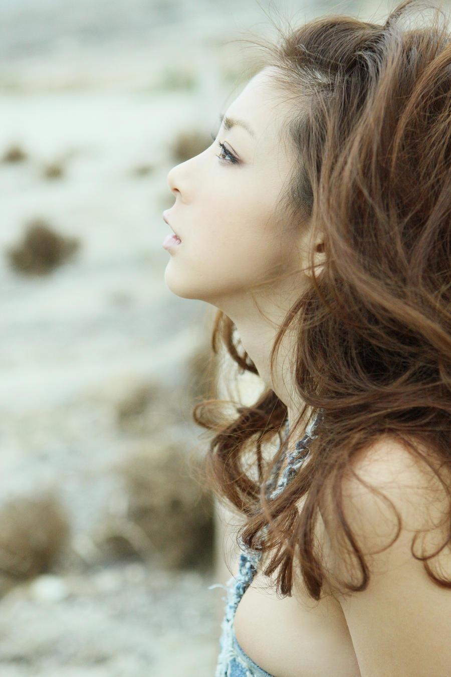 Backdrop of White 2 by osawa-hitomi