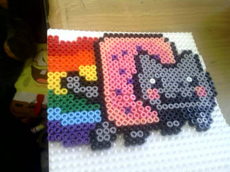 A hama beads of Nyan Cat by Contxu