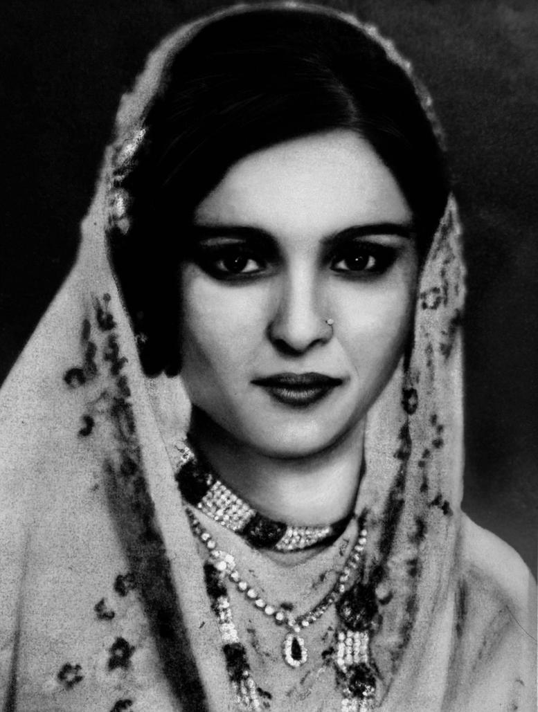 Aisha Begum V1 by Art-by-Jilani