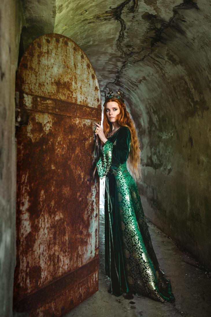 Ginger Queen By Black Bl00d On Deviantart