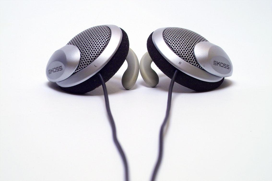 Low Cost Kanen KM-740 Stereo Headphone Earphone (Blue) By Ozone48