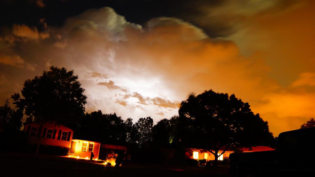 fall lightning 2 by Lavawolf