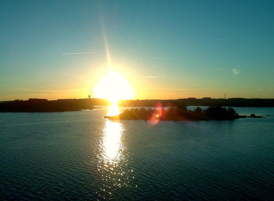 Sun is coming up by adamfaryj on DeviantArt