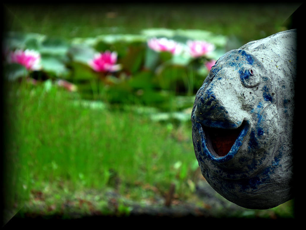 Happy fish by yancis on deviantart for Dont worry be happy fish
