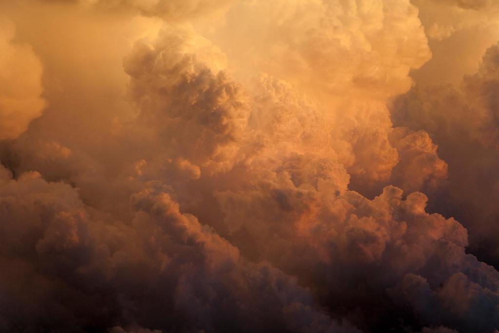 Cloud Inferno by danielgregoire
