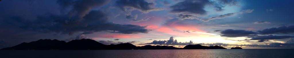 Sunset above Ko Chang by andabata