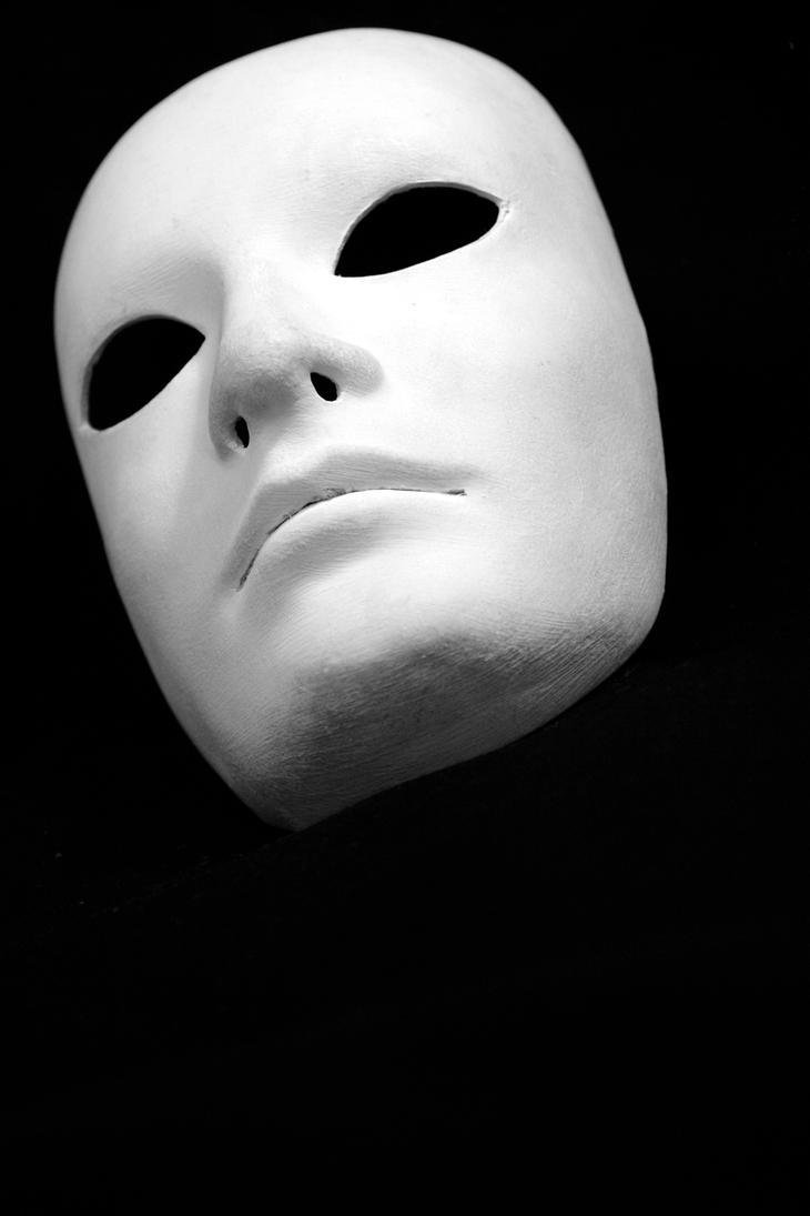 White_Mask_by_IElioI.jpg